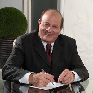 Dr. Elías Raya Serulle Tabar